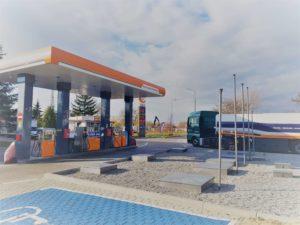 stacja-paliw-swidnica-azarex-z-zewnatrz